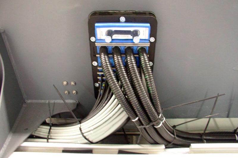 Проложить силовой кабель